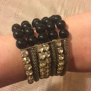 Jewelry - Crystal And Pearls Stretch Bracelet